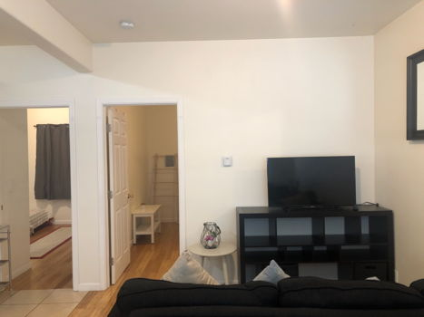 Picture 4 of 2 bedroom Apartment in Oakland
