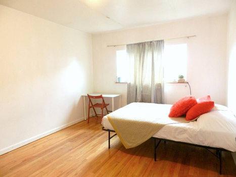 Picture 20 of 3 bedroom Townhouse in Queens