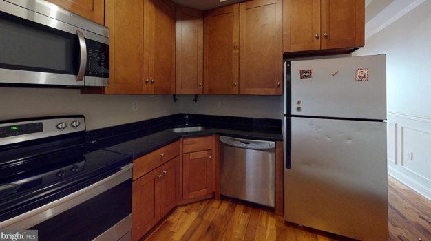Picture 4 of 5 bedroom Apartment in Philadelphia