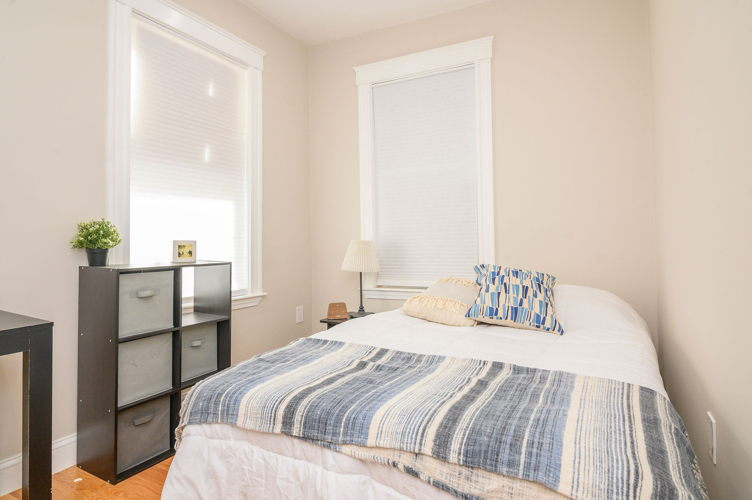 Bedroom z26w90 photo thumbnail
