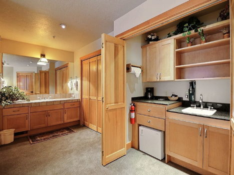 Picture 10 of 3 bedroom Townhouse in Park City