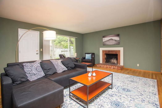 Picture 1 of 4 bedroom House in San Bruno