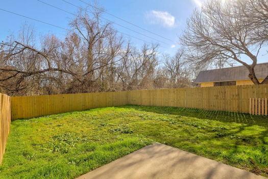 Picture 17 of 3 bedroom Duplex in Austin