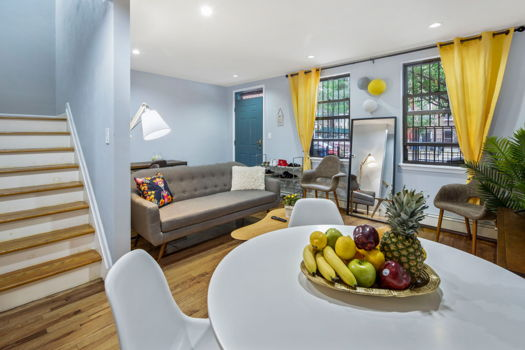 Picture 2 of 4 bedroom Townhouse in Brooklyn