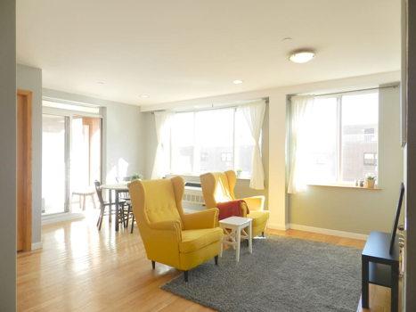 Picture 1 of 3 bedroom Condo in Queens