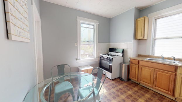 Picture 13 of 4 bedroom Apartment in Jersey City