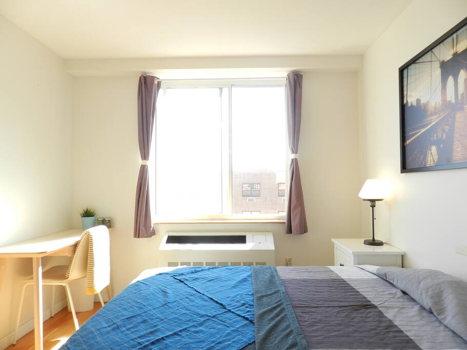 Picture 42 of 3 bedroom Condo in Queens