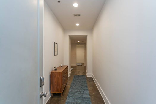 Picture 2 of 2 bedroom Apartment in Nashville