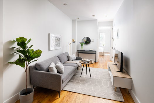 Picture 1 of 4 bedroom Apartment in Brooklyn