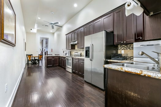 Picture 7 of 3 bedroom Condo in New Orleans