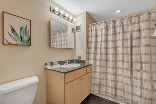 Picture 6 of 2 bedroom Apartment in Chicago