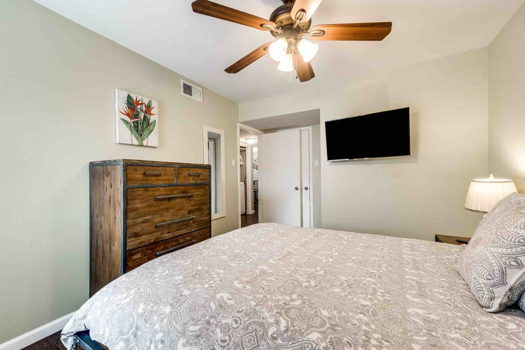 Picture 5 of 2 bedroom Condo in Irving