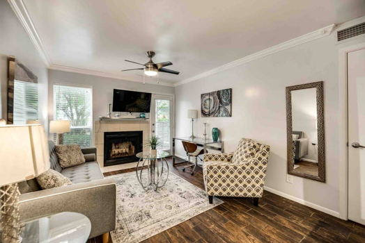 Picture 1 of 1 bedroom Condo in Irving