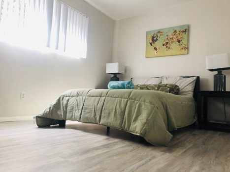 Picture 2 of 1 bedroom Apartment in Long Beach