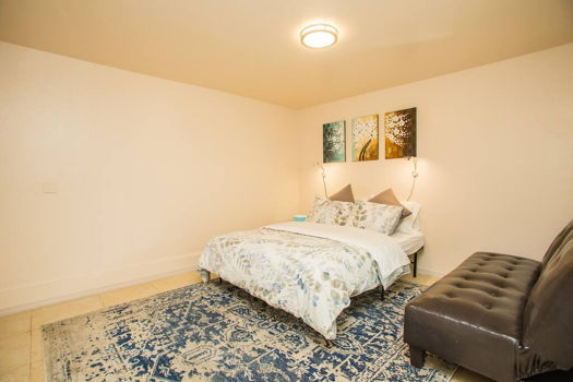 Picture 3 of 1 bedroom House in San Bruno