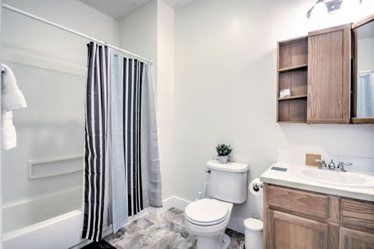 Picture 6 of 2 bedroom Apartment in Seattle