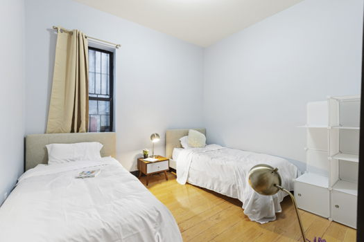 Picture 6 of 7 bedroom Apartment in Brooklyn