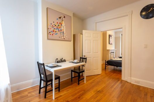 Picture 1 of 3 bedroom Apartment in Jersey City