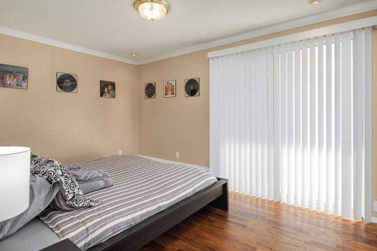 Bedroom 1i2zi4 photo thumbnail