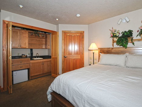 Picture 11 of 3 bedroom Townhouse in Park City