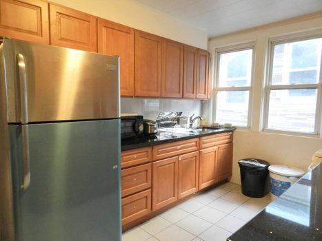 Picture 15 of 3 bedroom Apartment in Queens