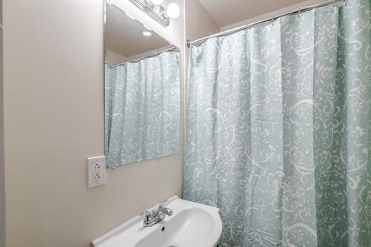 Picture 10 of 3 bedroom Apartment in Philadelphia