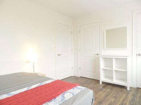 Picture 36 of 3 bedroom Apartment in Queens