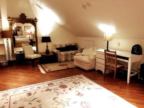 Picture 2 of 1 bedroom Loft in Berkeley