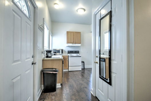 Picture 8 of 2 bedroom Apartment in Seattle