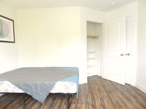 Picture 21 of 3 bedroom Apartment in Queens