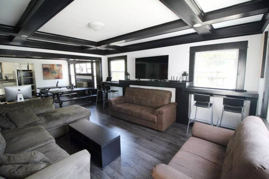 Picture 3 of 6 bedroom House in Los Angeles
