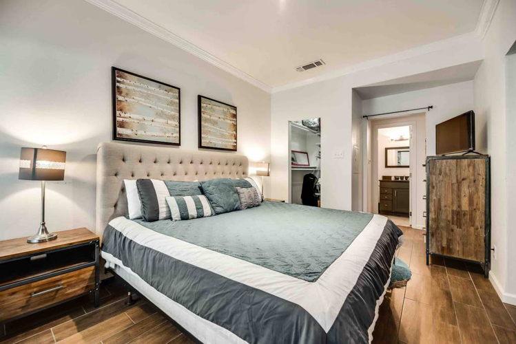 Bedroom hkc3vd photo thumbnail