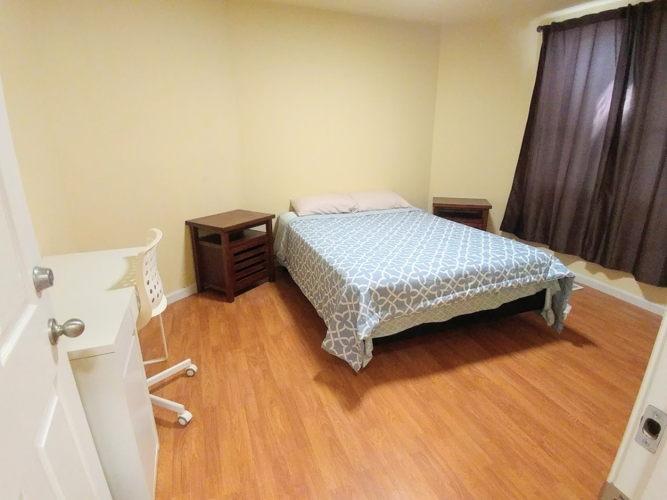 Bedroom uzc6kx photo thumbnail