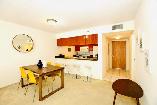 Picture 8 of 1 bedroom Condo in Miami