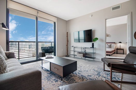 Picture 1 of 3 bedroom Apartment in Miami