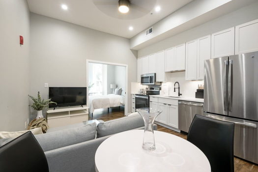 Picture 1 of 1 bedroom Apartment in Washington