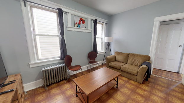 Picture 2 of 4 bedroom Apartment in Jersey City