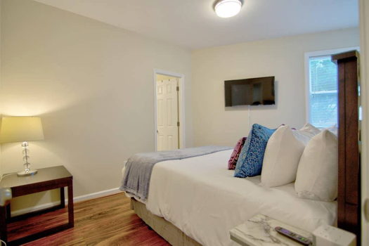 Picture 4 of 3 bedroom Apartment in Arlington