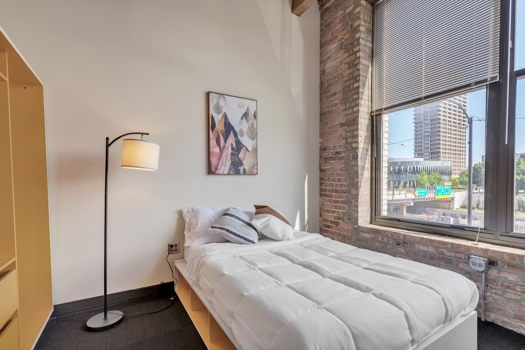 Picture 8 of 2 bedroom Apartment in Chicago