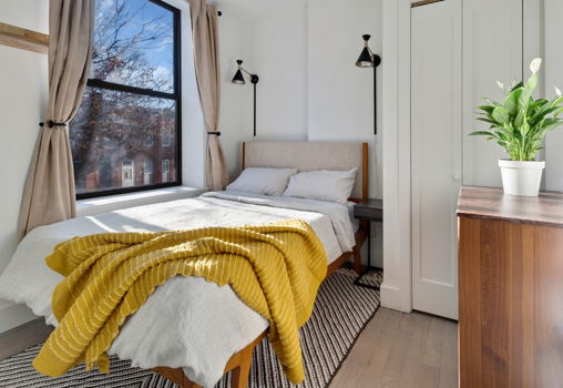 Picture 4 of 3 bedroom Apartment in Brooklyn