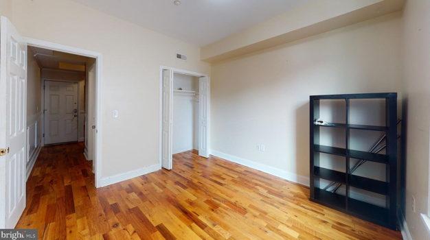 Picture 2 of 5 bedroom Apartment in Philadelphia