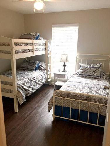 Bedroom fm0foo photo thumbnail