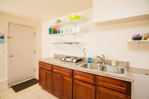 Picture 9 of 1 bedroom House in San Bruno