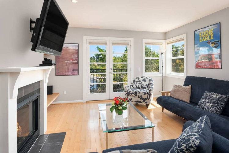 Picture 2 of 4 bedroom Townhouse in Seattle