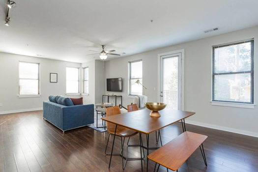 Picture 2 of 3 bedroom Apartment in Nashville