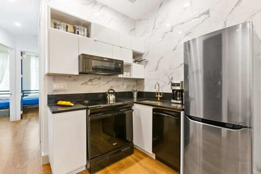 Picture 5 of 4 bedroom Apartment in Brooklyn
