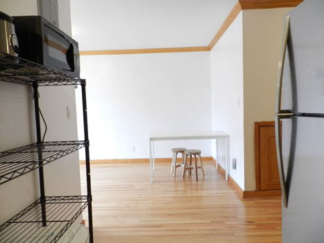 Picture 8 of 3 bedroom Apartment in Queens