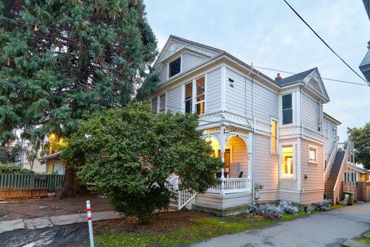 Picture 1 of 4 bedroom House in Berkeley