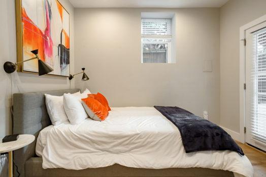 Picture 10 of 3 bedroom Condo in Washington