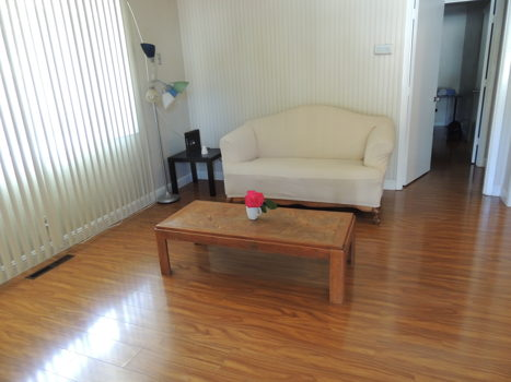 Picture 2 of 3 bedroom House in Mountain View